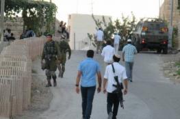 مستوطنون يغلقون شارع حيوي وسط القدس المحتلة