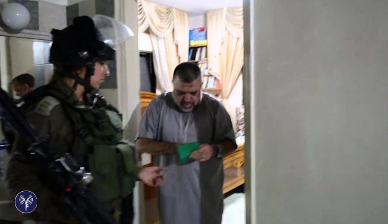اعتقال 8 مواطنين ومخابرات الاحتلال تداهم منزل القيادي حسن يوسف