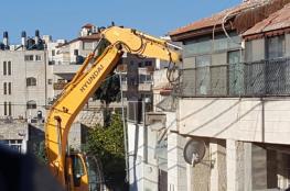جرافات الاحتلال تهدم كراجا شمال القدس