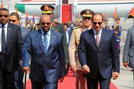 البشير يلتقي بالسيسي في القاهرة بعد انفراج التوتر بالعلاقات
