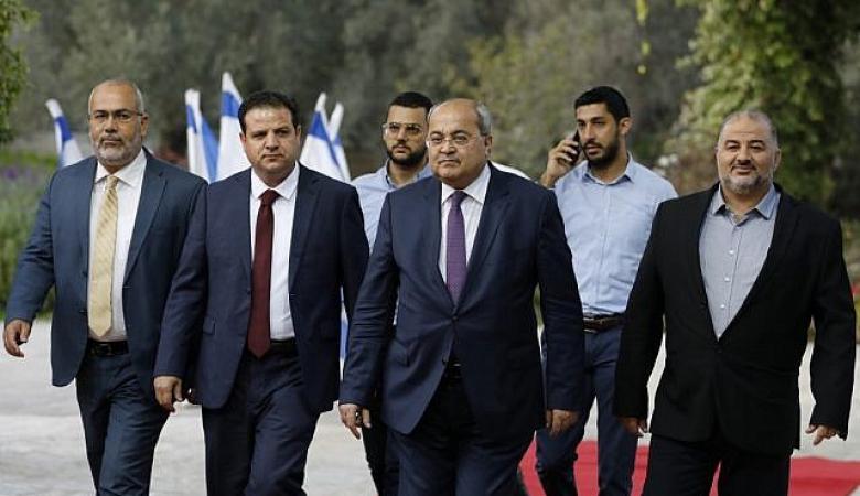 """نتنياهو يهاجم العرب"""": مشاركتهم بالحكومة تهدد """"إسرائيل"""""""