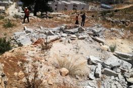 الاحتلال يجرف 12 قبرا في مخيم العروب شمال الخليل