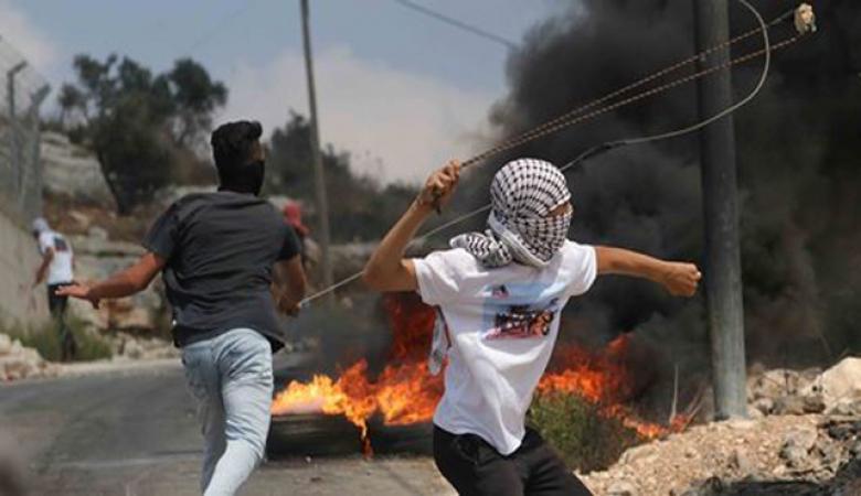اصابات بالاختناق جراء اعتداء الاحتلال على المشاركين بمسيرة كفر قدوم