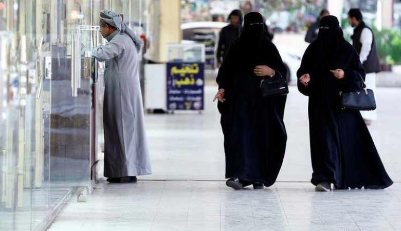 شاهد ..داعية سعودي يجيز للفتاة ان تستقل في منزل لوحدها بعد بلوغها سن الرشد