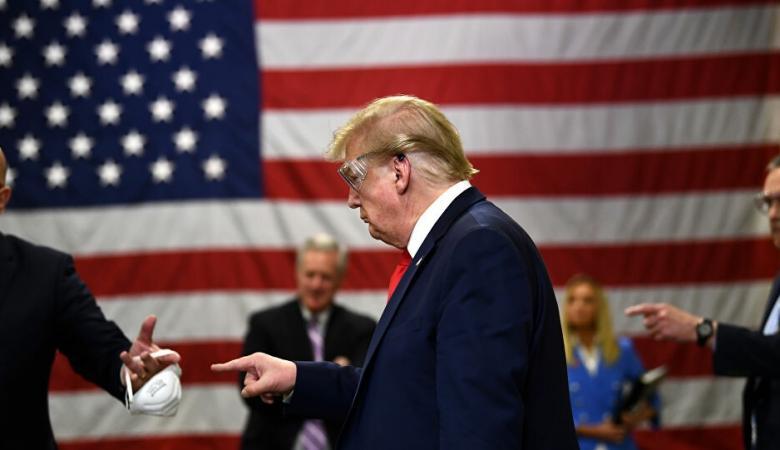 بعد أن رفضها سابقا..ترامب يدعو لارتداء الكمامات للوقاية من كورونا