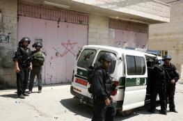 الاحتلال يعتقل شابا من جبل المكبر ويستدعي فتاة من رأس العامود للتحقيق