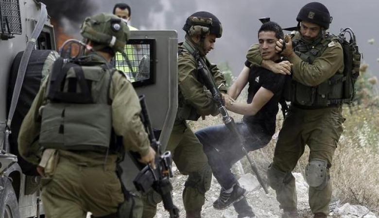 الاحتلال يشن حملة مداهمات واعتقالات واسعة بالضفة