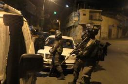 الاحتلال يعتقل مواطنين بالضفة ويقتحم رام الله