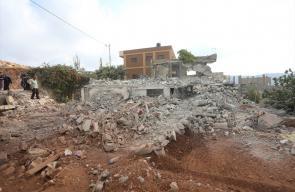 جيش الاحتلال  يهدم ثلاثة منازل فلسطينية ويغلق رابعًا برام الله فجر اليوم