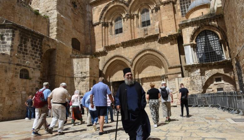 الاحتلال يستولي على 267 دونمًا من أوقاف كنيسة اللاتين في الأغوار