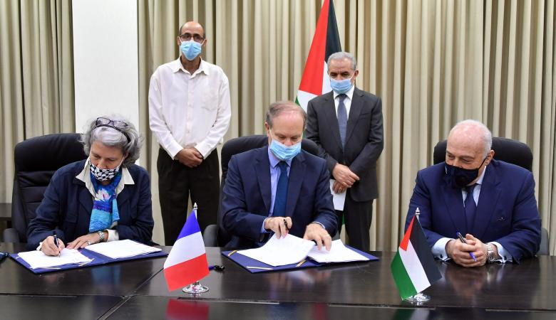 فرنسا تدعم ميزانية فلسطين بـ10 ملايين يورو