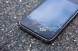"""شاشة هاتف تصلح نفسها تلقائياً.. جديد """"موتورولا"""""""