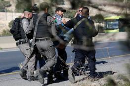 قوات الاحتلال تقمع مسيبرة تضامنية مع الاسرى المضربين عن الطعام في القدس