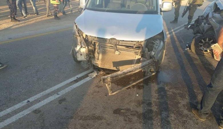 اصابة 5 مواطنين بحادث تصادم بين 3 مركبات جنوب جنين