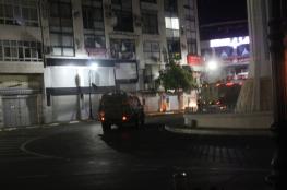 الاحتلال يعتقل 13 مواطنا من الضفة الغربية بينهم قيادي في رام الله