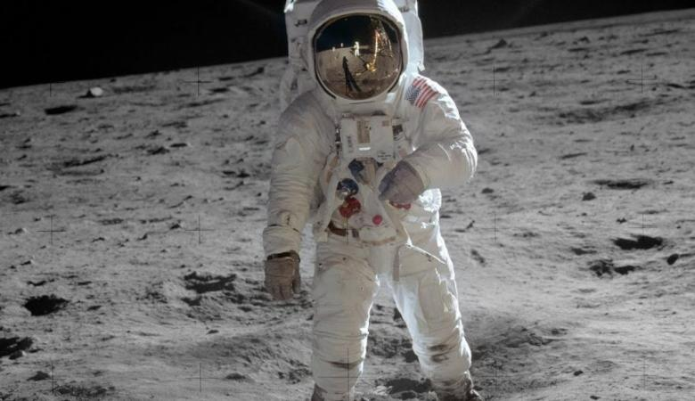 أول امرأة تهبط على القمر في 2024