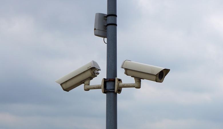 اسرائيل تقرر نشر آلاف الكاميرات بالضفة الغربية