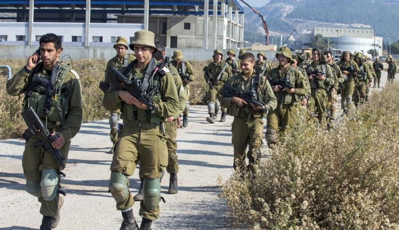 اسرائيل تلغي اجازات جنودها وتستدعي آخرين بسبب جبهة غزة