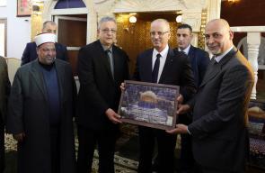 الحمد الله يفتتح مسجد الخلفاء الراشدين ويضع حجر أساس لمسجد آخر في طولكرم