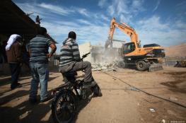 جرافات الاحتلال تهدم منزلا في بيت جالا غرب بيت لحم