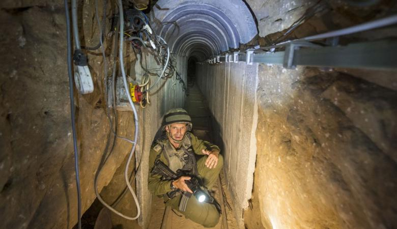 الاحتلال يزعم اكتشافه نفقاً للمقاومة ممتد من قطاع غزة حتى الداخل المحتل