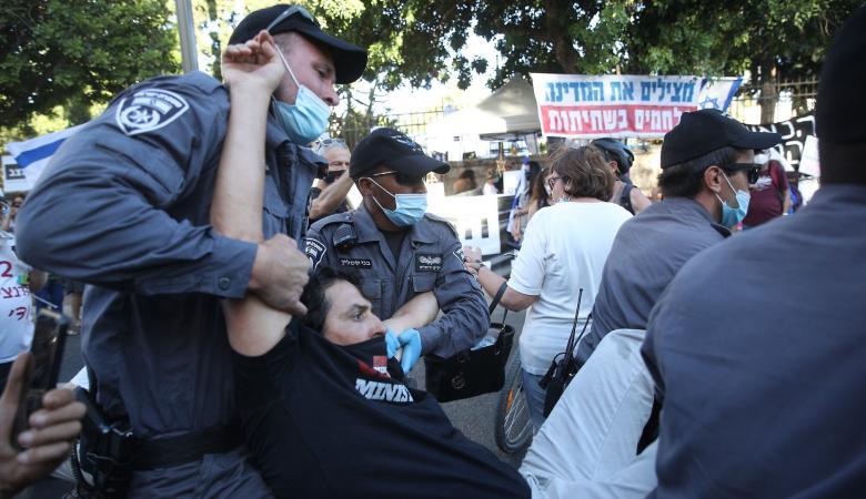 اعتقال مسؤول عسكري إسرائيلي في مظاهرة ضد نتنياهو
