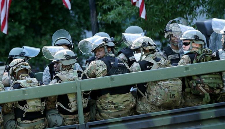 """140 مدينة امريكية تشتعل بالمظاهرات والجيش ينتشر في العاصمة """"واشنطن """""""