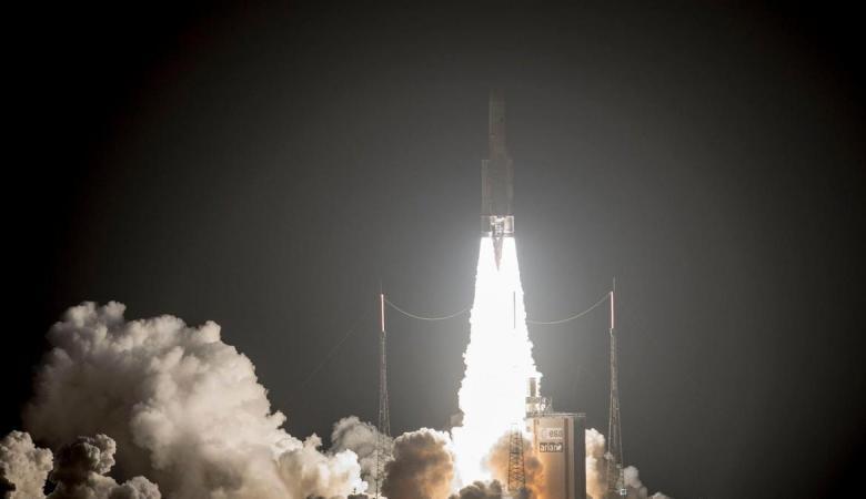 """""""لمكافحة الارهاب """" ..مصر تطلق أول قمر صناعي في تاريخها"""