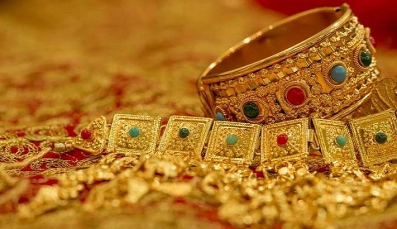 اسعار الذهب والفضة تهويان