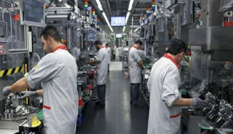 انخفاض الرقم القياسي لكميات الإنتاج الصناعي الشهر الماضي