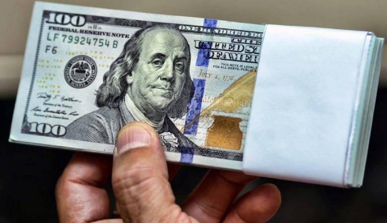 الدولار يستعيد عافيته ويصعد مقابل الشيقل
