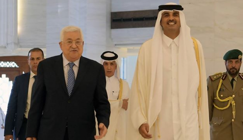 الرئيس يجتمع مع أمير قطر في الدوحة