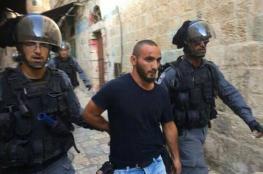 """يسكن القدس منذ 22 عاماً ...الاحتلال يرحل الصحفي """"مصطفى الخاروف """"الى الاردن"""