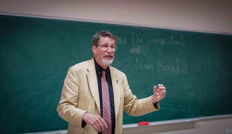 """بيريزيت تستقبل عالم الكيمياء الامريكي """"جورج سميث """""""