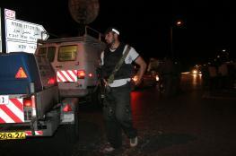المستوطنون بحماية من قوات الاحتلال يقتحمون حلحول شمال الخليل