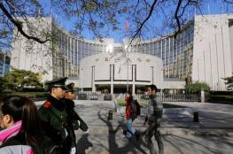 إحالة 3 مسؤولين صينيين للتحقيق بعد إجبار أطفال على شرب أدوية مجهولة
