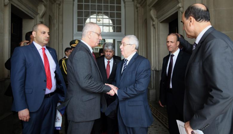 الحمد الله يختتم زيارته للجزائر بلقاء رئيس مجلس الأمة