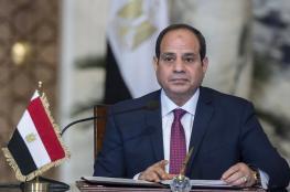 سيدة مصرية توقف السيسي في ألمانيا وتوجه له رسالة