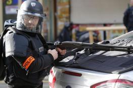 """""""غزو"""" مركز شرطة في باريس... والأزمة تصل لوزير الداخلية"""