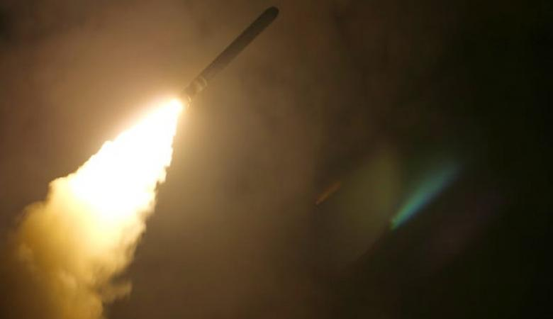 هجوم صاروخي على قاعدة تضم جنود أمريكيون بالعراق