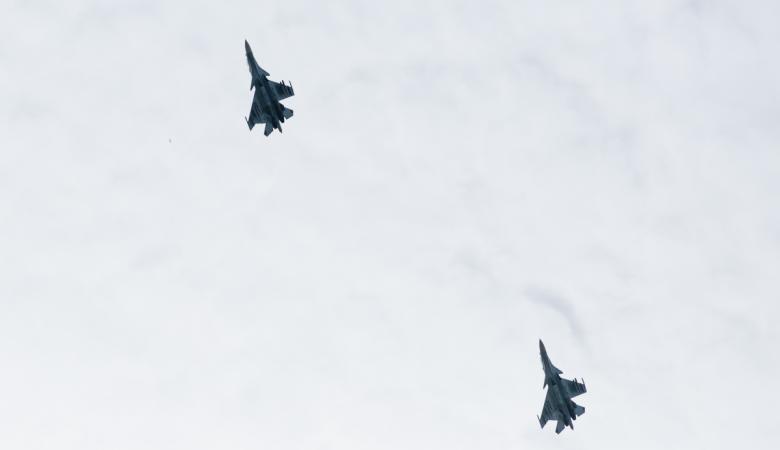 محاولة اعتراض لطائرة وزير الدفاع الروسي ..فيديو