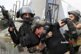 اعتقال شاب جريح وإصابة مصور خلال مواجهات شمال البيرة