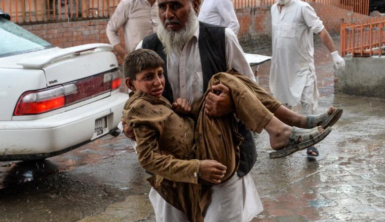 62 قتيلا على الأقل في انفجار داخل مسجد بشرق أفغانستان