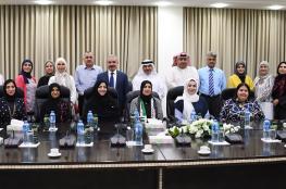 الوفد الكويتي يطلع رئيس الوزراء على آلية التعاقد مع المعلمين الجدد