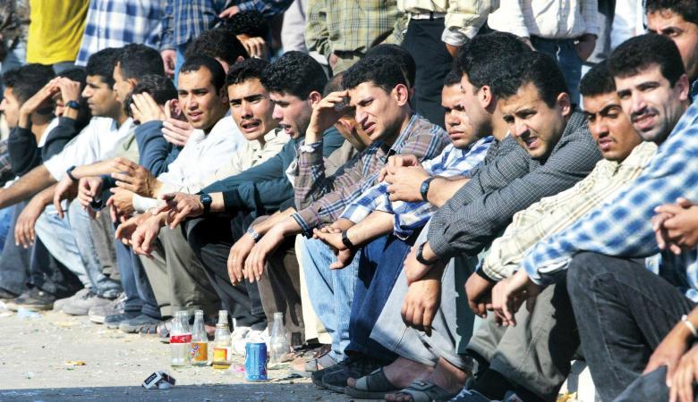 ثلث شباب غزة يرغبون بالهجرة إلى الخارج