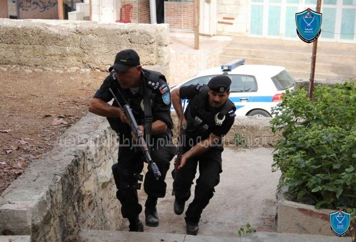 شرطة طولكرم تكشف تفاصيل سلب 150 الف شيكل من مسن وتقبض الفاعل