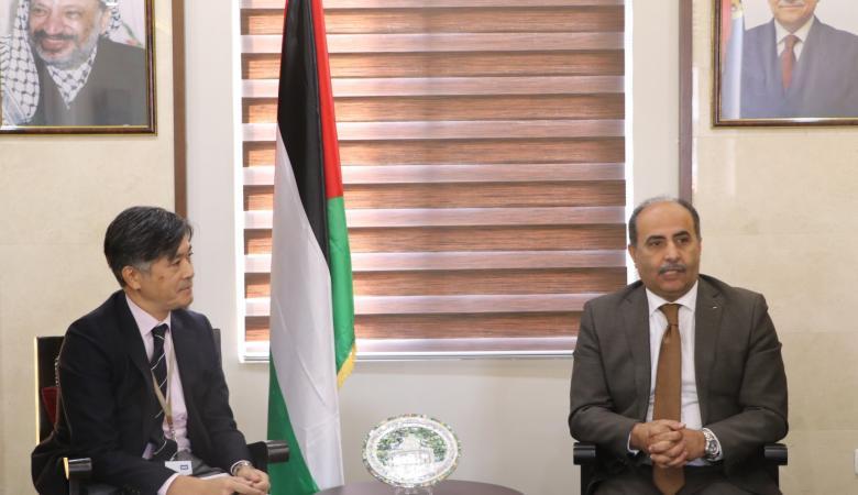 وزير الزراعة : ماضون بتعزيز صمود المواطن الفلسطيني على ارضه