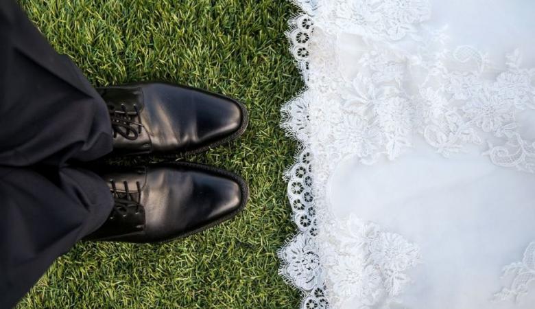 عقب أسبوعين من الزفاف... عريس يكتشف أن زوجته رجلا