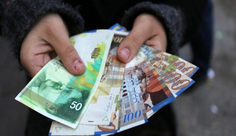 """""""النقد"""" تصدر تعميما للمصارف ومؤسسات الإقراض بشأن الخصم من الرواتب"""