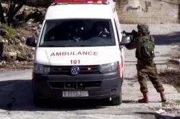 مستوطن يدهس مواطن ويصيبه بجراح في الخليل